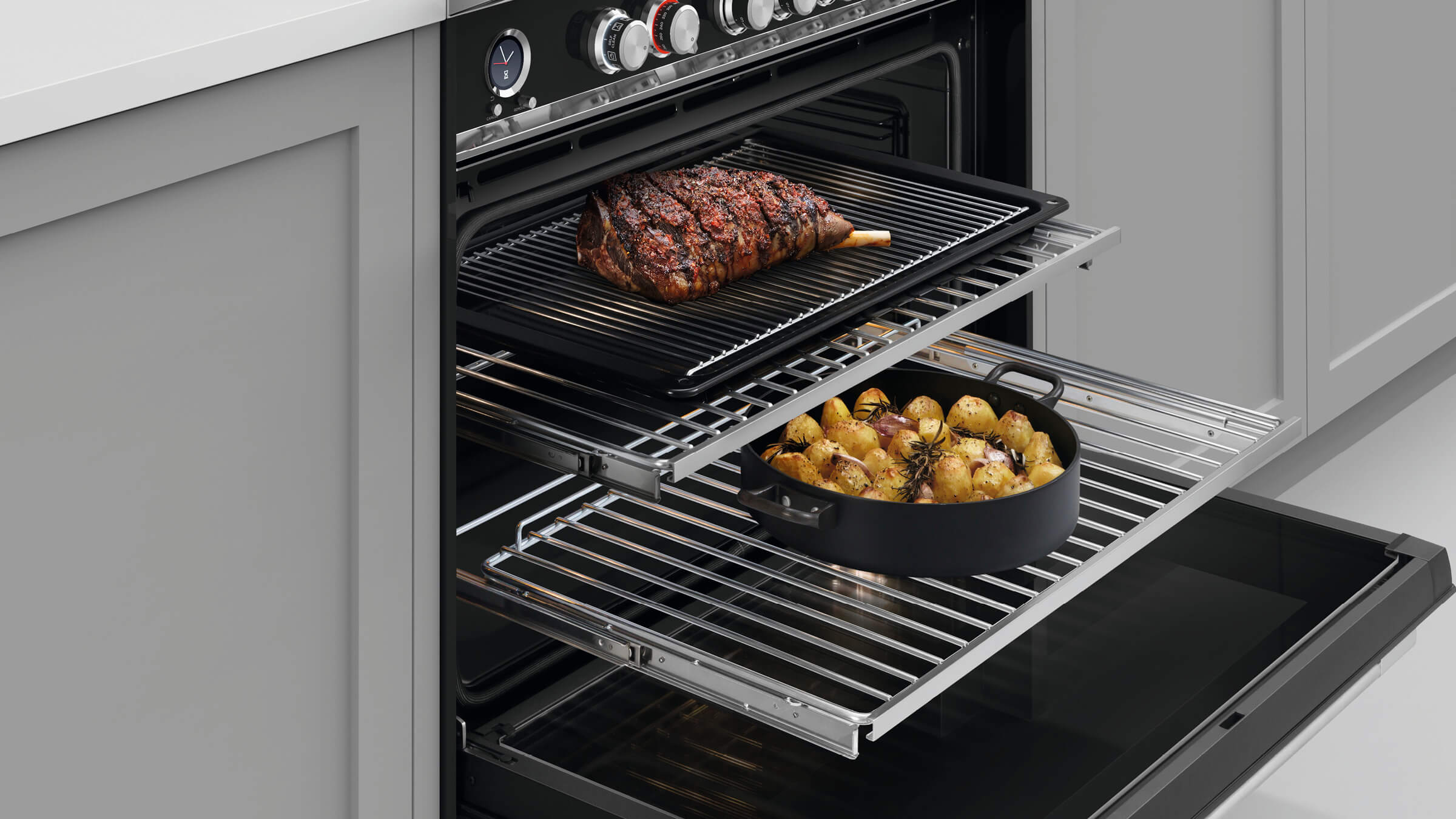 Large capacity oven